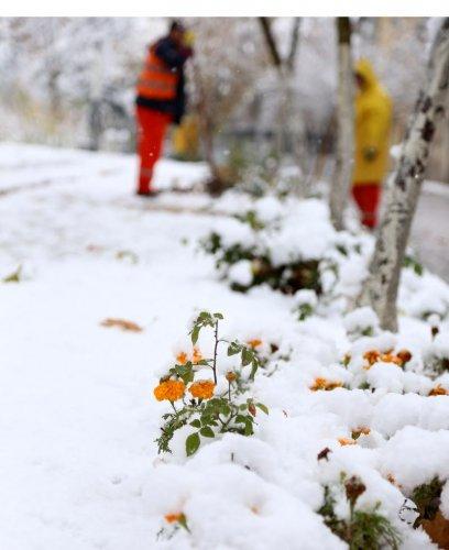 Isparta'da kar yağışı etkili oluyor