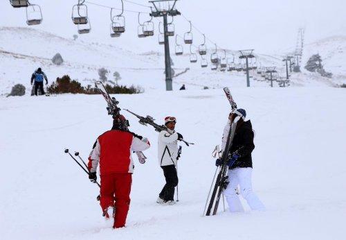 Davraz Kayak Merkezi'nde 15 yıl sonra erken sezon açılışı