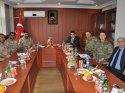 Yüksekova Kaymakamı Çenet'e, İranlı komutanlardan ziyaret