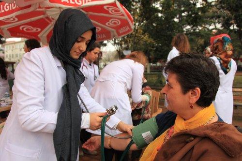 Geleceğin doktorlarından sağlık taraması
