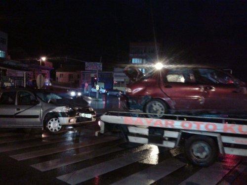 Afyonkarahisar'da zincirleme trafik kazası: 1 yaralı