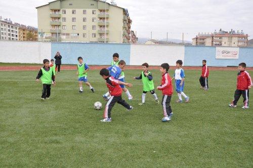 Tunceli'de Cankanka Spor Okulu'nun çalışmaları sürüyor