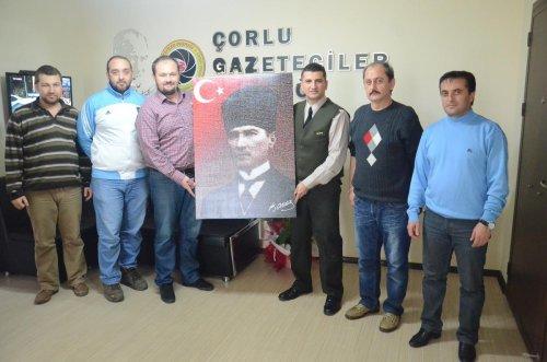 Çorlu Jandarma Komutanı Yüzbaşı Gürzsoy'dan Çorlu Gazeteciler Derneği'ne ziyaret