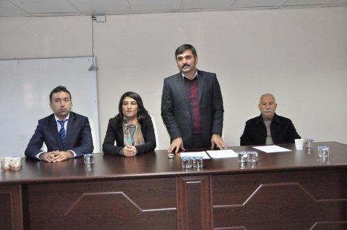 Kızıltepe Belediyesi temizlik işçilerine kışlık elbise dağıttı