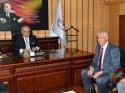Vali Şentürk, İl Milli Eğitim Müdürlüğünü ziyaret etti