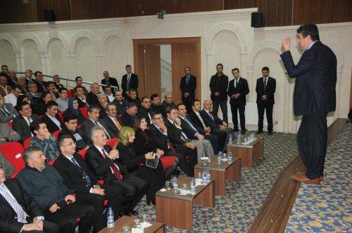 Mardin'de İl yöneticilerine 'liderlik' semineri verildi