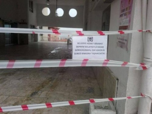 Kalecik belediye binası depremde zarar gördü