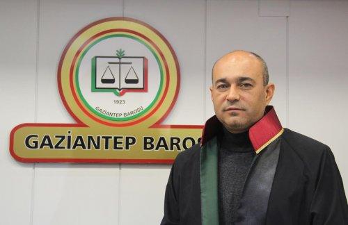 Mahkeme salonundaki oturma düzenini değiştirecek karar