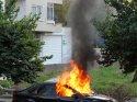 Mersin'de park halindeki araç yandı