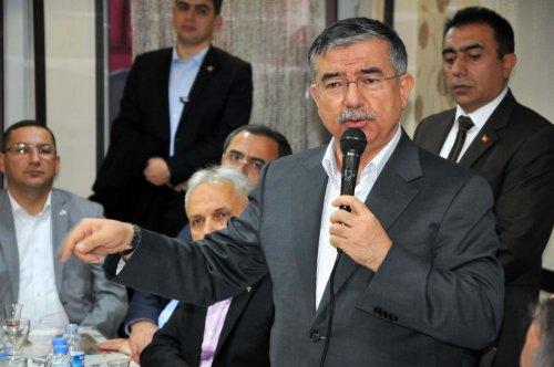 Milli Savunma Bakanı Yılmaz Sivas'ta