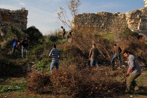 Tarihi Akkale'nin çevresi temizlendi