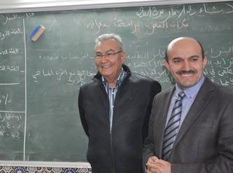 Deniz Baykal'dan Türk okuluna özel ziyaret