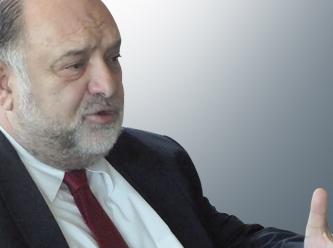 AKP'yi eleştirdi, Star Gazetesi yazılarına son verdi