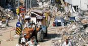İşte 17 Ağustos Depremi'nden unutulmaz o kareler!