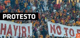 Galatasaray taraftarından dikkat çekici pankart