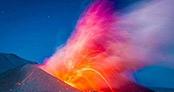 Volkan patlaması saniye saniye görüntülendi