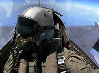 Bak�n �u Acemi Pilotlar�n Yapt�klar�na
