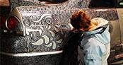 Spor arabasını bir sanat eserine dönüştüren kadın