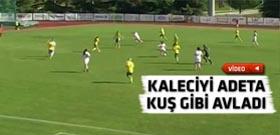 Kadın futbolcudan ağızları açık bırakan gol!