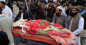 Pakistan okul baskınında ölenler için anma töreni düzenlendi