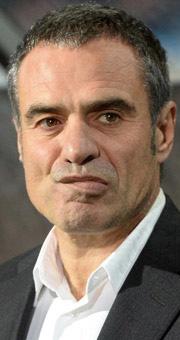 Ersun Yanal çıldırdı oyunculara küfretti iddiası
