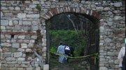 Tarihi surlarda yabancı uyruklu ceset bulundu