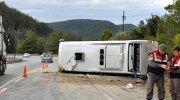 Tur otobüsü devrildi: 1 ölü 19 yaralı