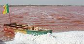 Doğa harikası göl, pembe rengiyle şaşkına çeviriyor!