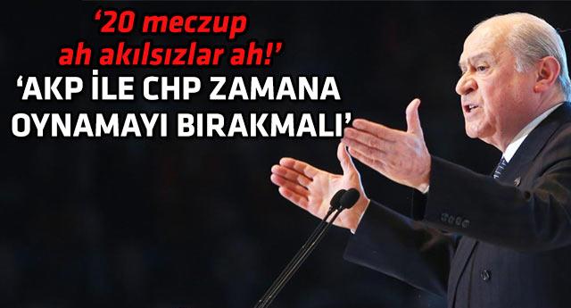 Bahçeli, AKP ve CHP'ye çağrı yaptı Akil Heyeti'ne ateş püskürdü