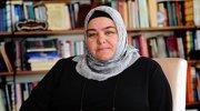 Türkiye'nin ilk başörtülü bakanı oldu