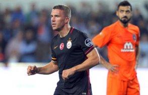 Galatasaray, Başakşehir'i golcüleriyle geçti