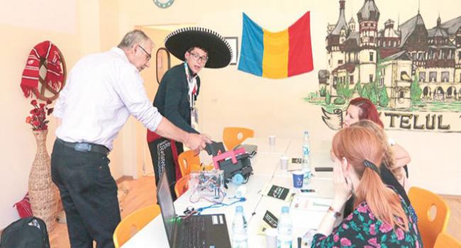 Türk okullarına dünya devinden destek