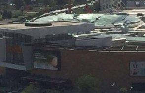 AVM'nin çatısı çöktü! Yaralılar var