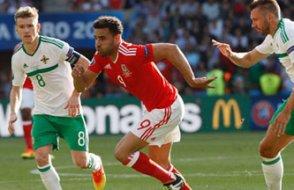 İrlanda kendini yaktı, Galler çeyrek finalde