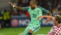 Portekiz'i Quaresma uçurdu