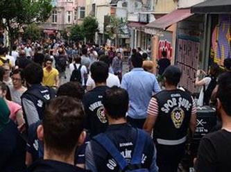 İstiklal'de LGBT üyesi gruba polis müdahalesi