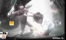 Kadın sürücüyü tekme tokat işte böyle dövdü! -video