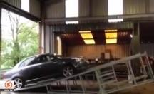 Oto-Tamir dükkanında ilginç mekanizma! -video