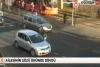 Kırmızı ışıkta durmayan sürücü özür yerine yumruk attı