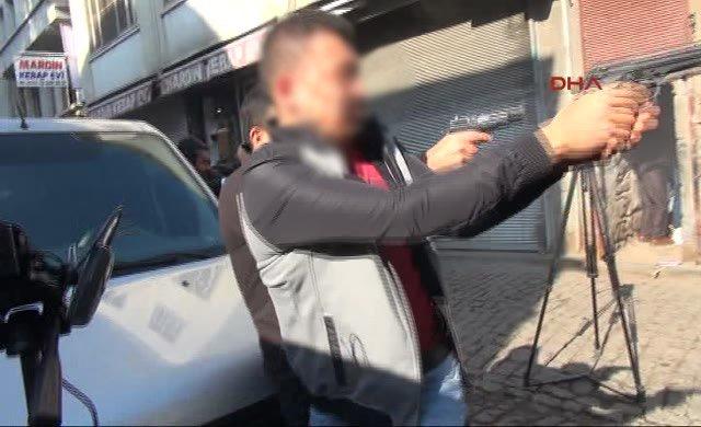 Tahir Elçi'nin ve bir polisin vurulduğu çatışma