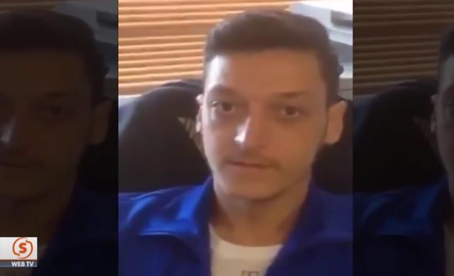 Mesut Özil istifa istedi