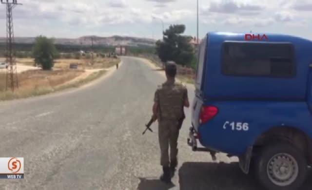 Gaziantep Havalimanı arazisine iki roket attılar