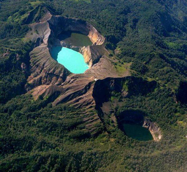 lokasi hiking dengan pemandangan indah di Indonesia